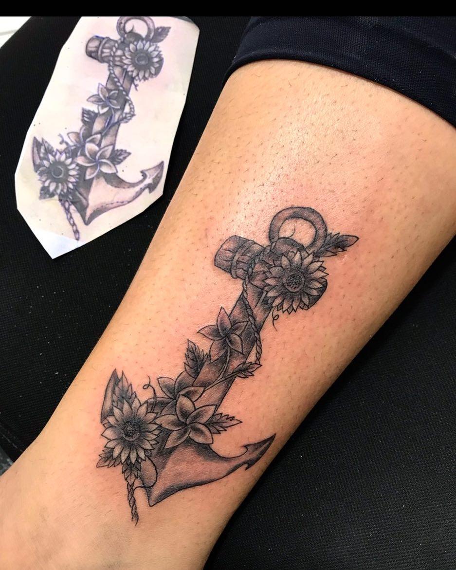 广小姐小腿太阳花船锚纹身图案